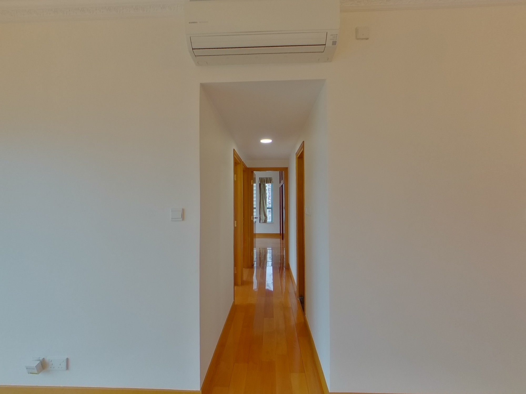 Mid-Levels West BON-POINT Middle Floor House730-3108348